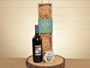 Walton Pate & Red Wine Box