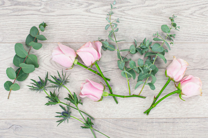 5 Rose & Thistle Bakers Bunch (Blush)