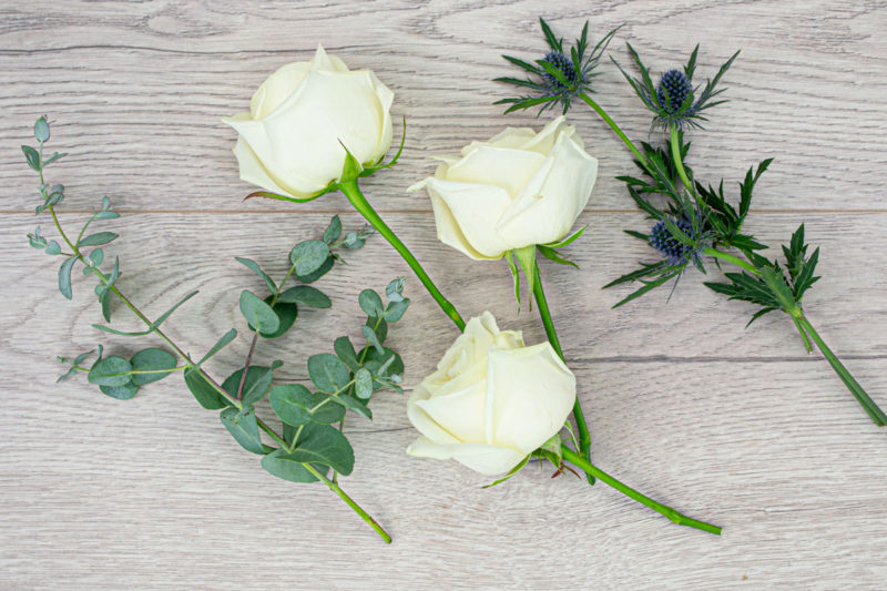 3 Rose & Thistle Bakers Bunch (White)