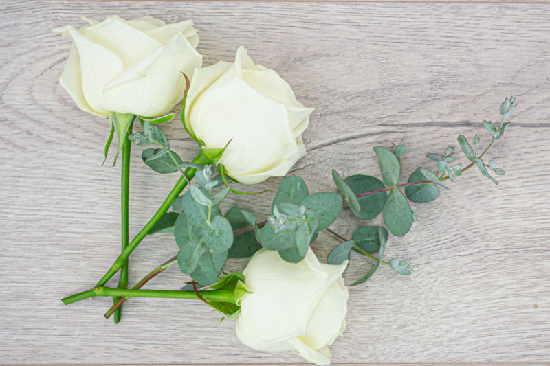 3 Rose Bakers Bunch (White)